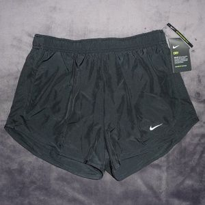 NWT Nike Dry Dri-Fit Tempo Run Shorts M